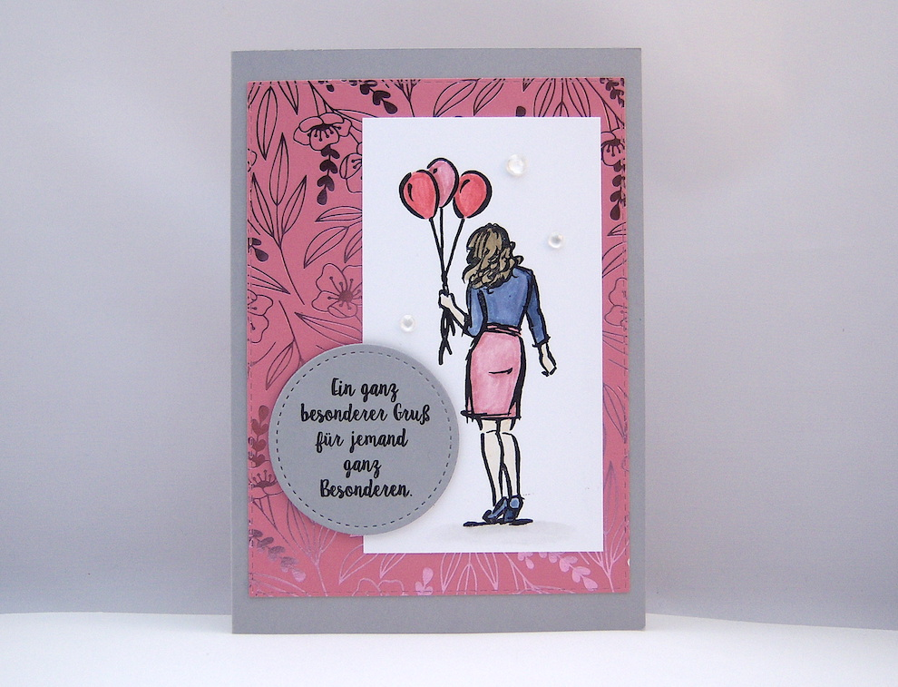 Sonstiges - Grußkarte -Frau mit Luftballons- Bild 1