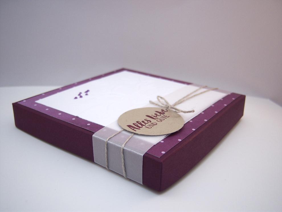 Verpackung -geprägte Blumen- Bild 3
