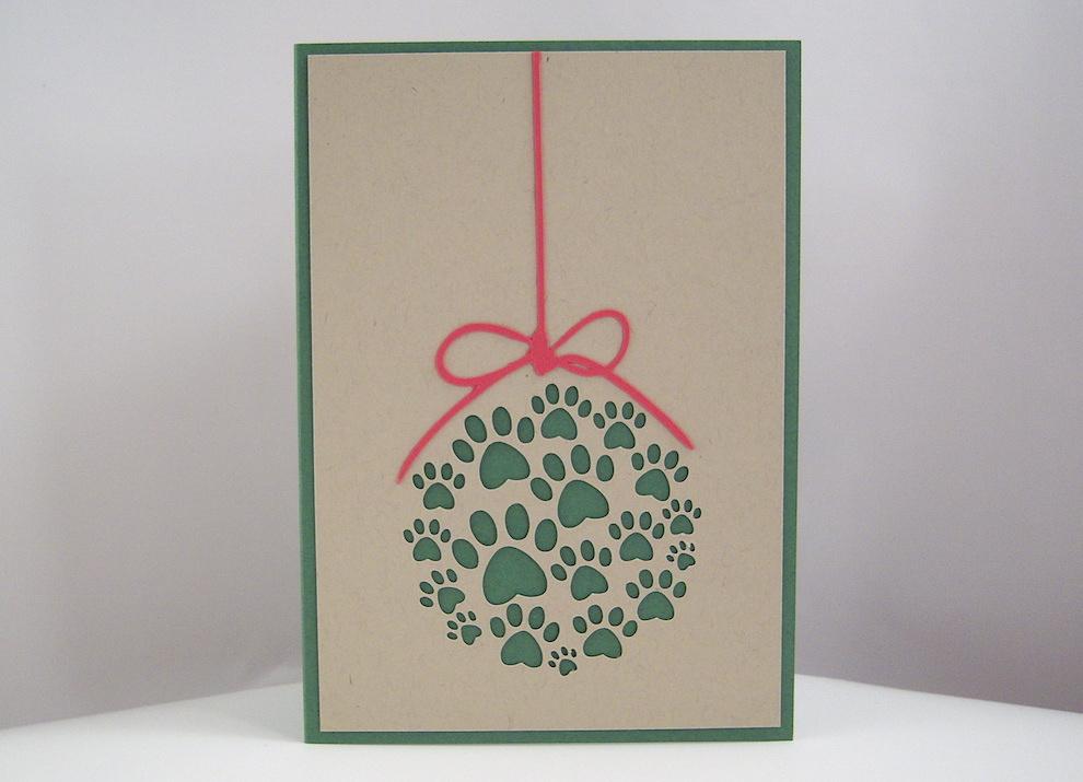 Weihnachten - Weihnachtskarte Weihnachtskugel Pfoten Bild 1