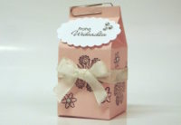 Weihnachtsverpackung kleiner Milchkarton rosa