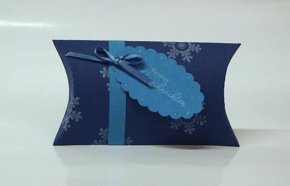 Weihnachten, Verpackungen - Weihnachtsverpackung Kissenverpackung blau