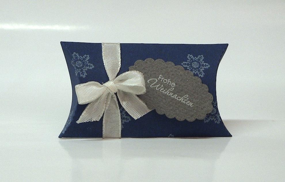 Weihnachten, Verpackungen - Weihnachtsverpackung Kissenverpackung blau weiss