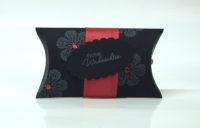 Weihnachtsverpackung Kissenverpackung schwarz rot