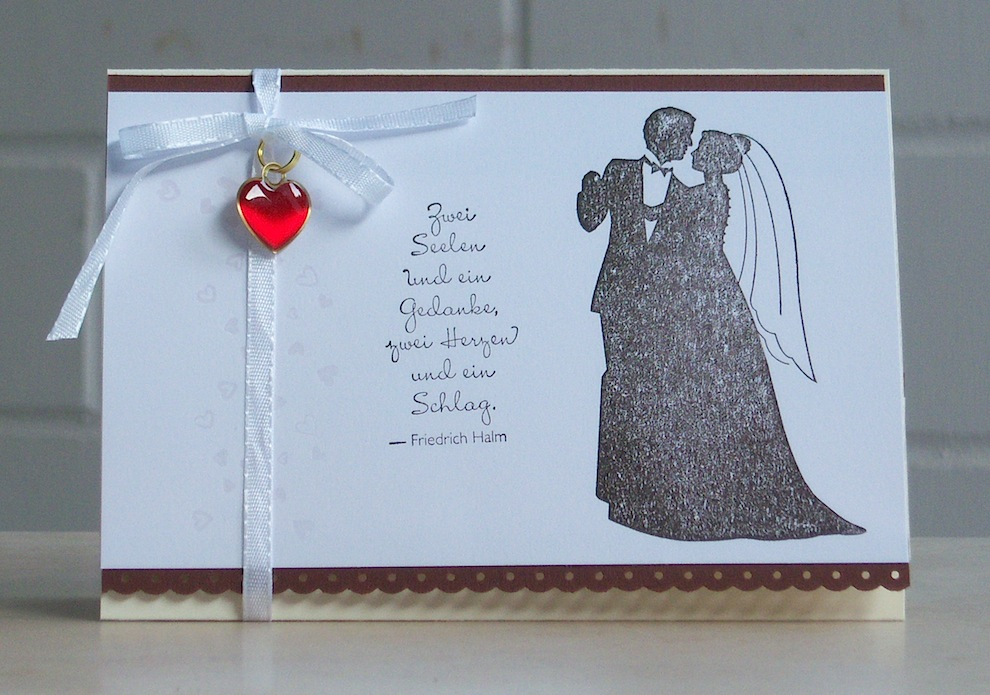 Hochzeit - Karte zur Hochzeit Brautpaar Herzanhaenger