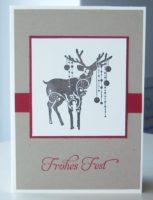 Weihnachtskarte Rentier mit Weihnachtskugeln