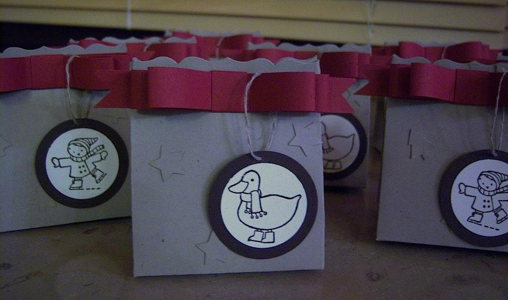 Weihnachten, Verpackungen - Weihnachtsverpackung mit Schleife 1